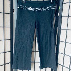 Lululemon black groove pants crop yoga sz 6